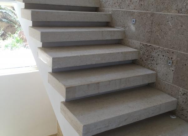 מדרגות שיש ואבן איכותיות