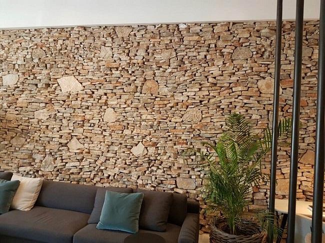 חיפוי קירות פנים באבן