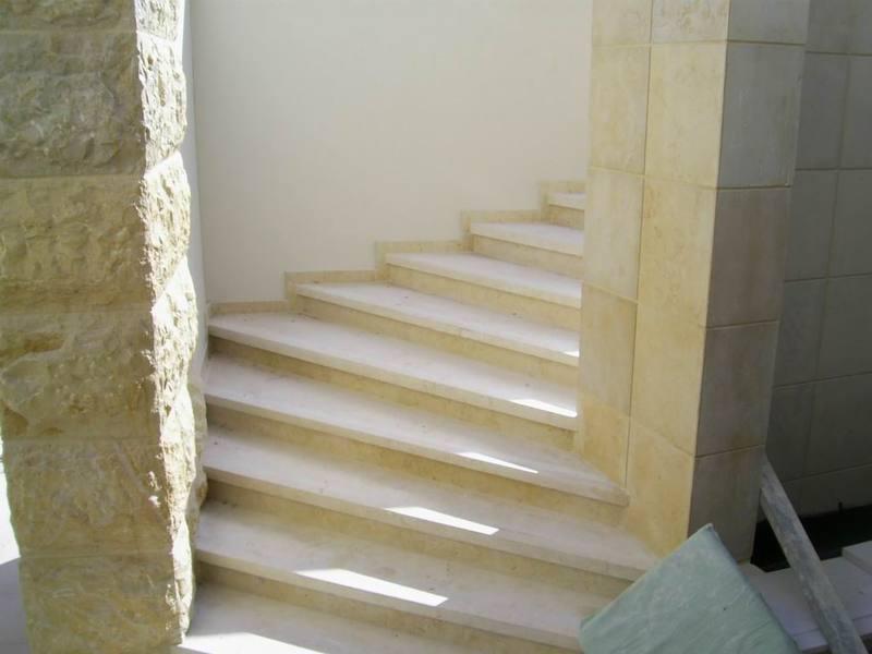 מעוניינים במדרגות אבן? פנו אלינו