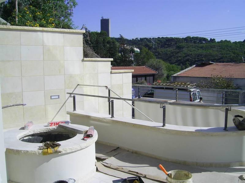 ריצוף טבעי מושקע למרפסת בכרמל
